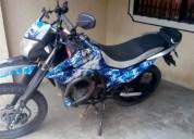 Vendo moto mrx 125 auteco color negro