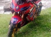 Vendo moto hyousung 250 al dia color rojo