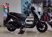 Moto kymco color gris