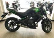 Moto kawasaki color verde