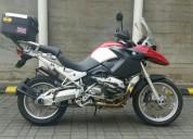 Moto bmw 1200 gs color rojo