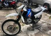 Suzuki dr 650 color azul