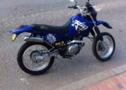 Yamaha 2004 color azul