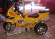 Se vende moto de bateria para nino color amarillo