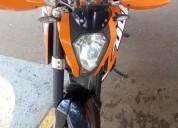 Se vende ktm muy linda muy buen estado color anaranjado