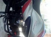Vendo moto hero todo al dia color gris
