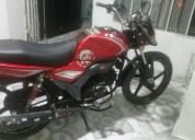 Hermosa moto 2016 color rojo