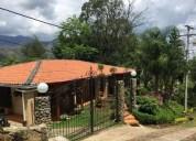 Casa campestre en arriendo en jamundi colinas de miravalle 4 dormitorios 3600 m2