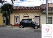 Se vende casa lote entre el centro y salvador 6 dormitorios 169 m2