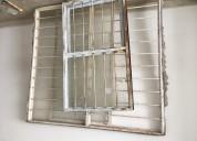 Vendo láminas de zinc, ventanas y gradas metálicas