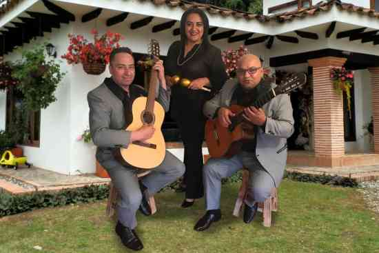 SERENATAS EN CHIA MUSICA DE CUERDA 3103229906
