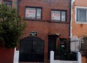 Chapinero casa de 2 pisos, con 6 cuartos, 5 baños