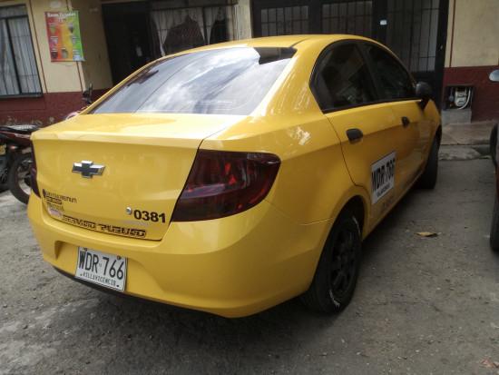 vendo u permuto taxi chevrolet. 2019